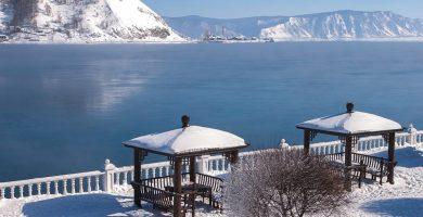 Lago Baikal nevado