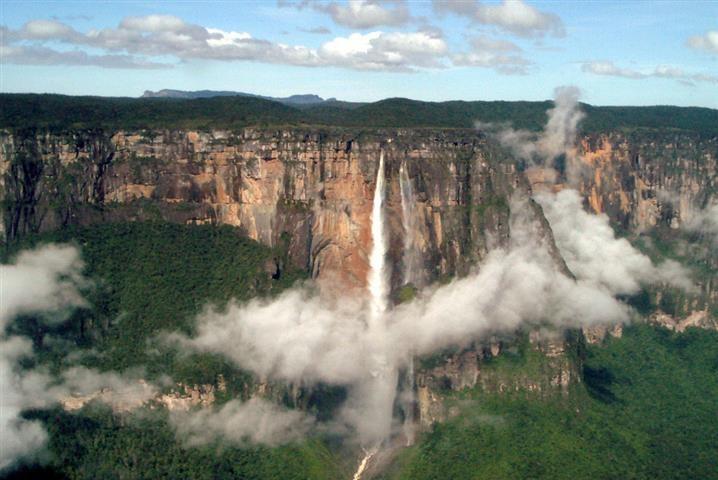 Imagen de la cascada El Salto del Ángel